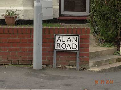 Ipswich Historic Lettering: Alan Road sign