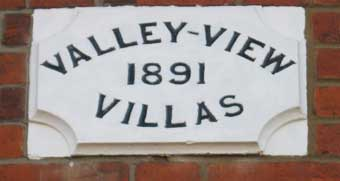 Ipswich Historic Lettering: Belle Vue plaque 11