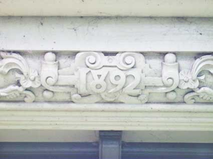 Ipswich Lettering: Cabman's shelter 4