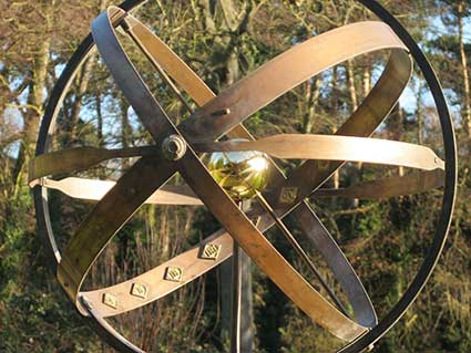Ipswich Lettering: Chistchurch Park sundial 3