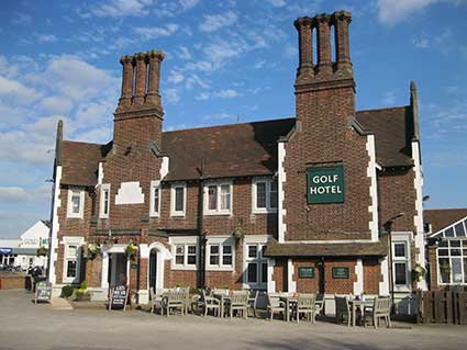 Ipswich Historic Lettering: The Golf Hotel 4