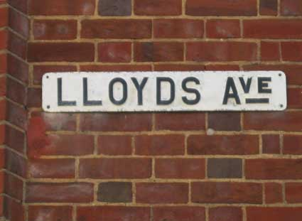 Ipswich Historic Lettering: Lloyds Avenue sign