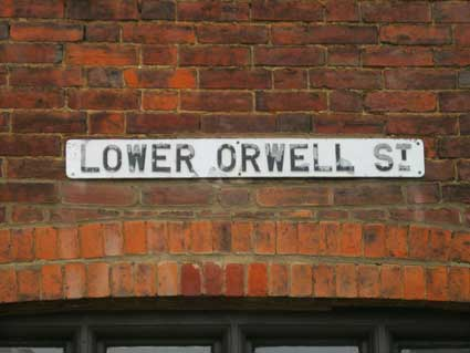 Ipswich Historic Lettering: Lower Orwell St sign