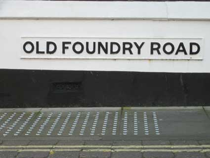 Ipswich Historic Lettering: Old Foundry Rd sign