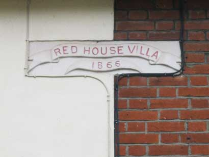 Ipswich Historic Lettering: Red House Villa 2