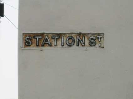Ipswich Historic Lettering: Station St sign 2